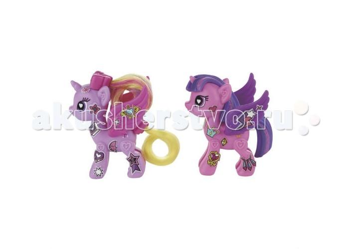 My Little Pony Рор Делюкс Твайлайт Спаркл и принцесса КадэнсРор Делюкс Твайлайт Спаркл и принцесса КадэнсФигурки Hasbro My Little pony Рор Делюкс Твайлайт Спаркл и принцесса Кадэнс позволит самостоятельно создать уникального персонажа и дизайн для лошадки.  В яркой подарочной упаковке вы найдете каркас пони для сборки, половинки которого нужно присоединить друг к другу, чтобы получить объемную фигурку, а также аксессуары для украшения получившегося персонажа.   Среди аксессуаров — пышные разноцветные хвостики и гривы.  Кроме того, в каждом наборе вы найдете браслет, украшенный наклейками, с регулирующимся по ширине ремешком, а также наклейки для дизайна пони.  Все детали наборов сделаны из материалов, прошедших строгий контроль качества.<br>