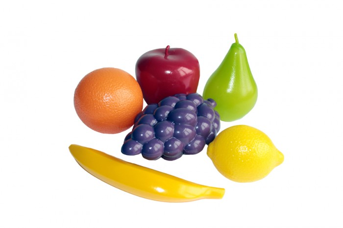 Совтехстром Игровой набор ФруктыИгровой набор ФруктыСовтехстром Игровой набор Фрукты в сетке представляет собой игрушечную еду, выполненную из пластмассы.  В комплект входят 6 предметов (яблоко, банан, виноград, мандарин, груша, лимон) которые превратят игру на детской кухне более реалистичной.   Фрукты выполнены имеют высокую степень детализации и окрашены в яркие цвета, что понравится каждому ребенку.<br>