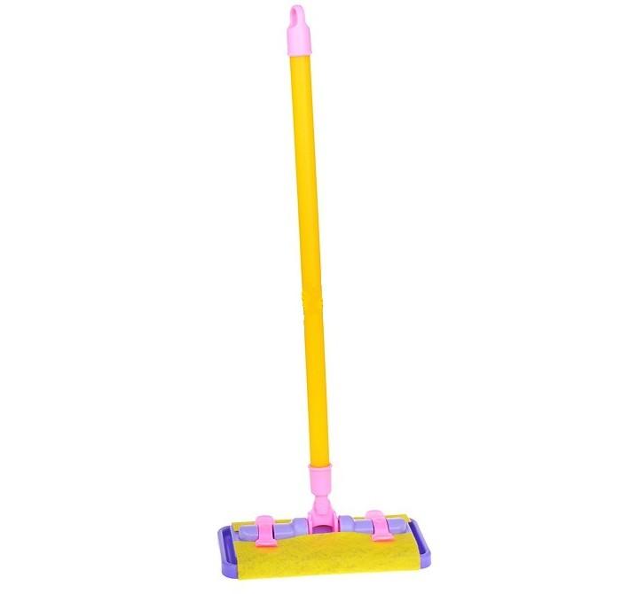 Совтехстром ШвабраШвабраСовтехстром Швабра поможет маленькой хозяйке навести порядок в своей комнате после игры по-настоящему или помочь маме с уборкой всего дома.<br>