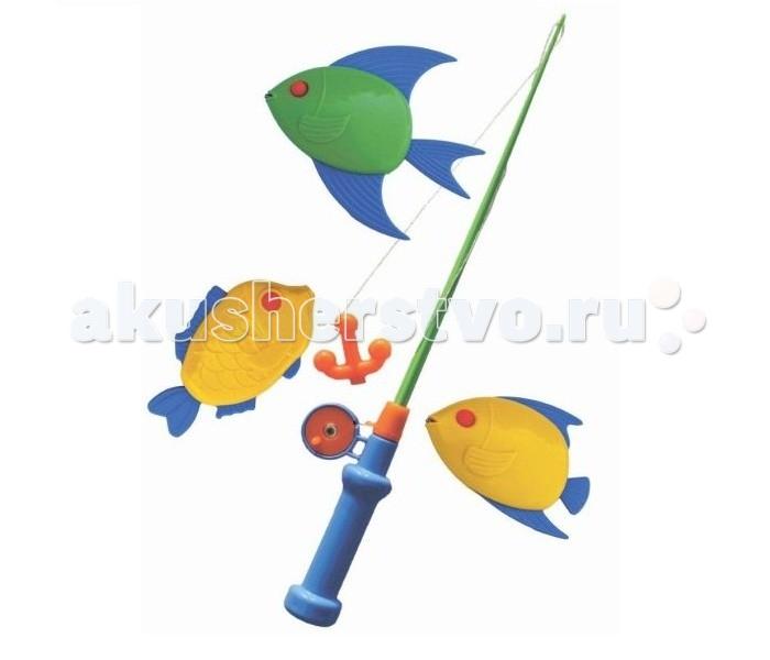 Совтехстром Набор Моя первая рыбалкаНабор Моя первая рыбалкаСовтехстром Набор Моя первая рыбалка состоит из маленькой удочки с катушкой и трех ярких пластиковых рыбок.   На крючке удочки есть небольшой магнит, который прилипает к кусочкам железа, вмонтированным в носики рыбок.   С таким набором ребенок сможет весело поиграть, пока он еще слишком мал и папа не берет его на настоящую рыбалку.<br>
