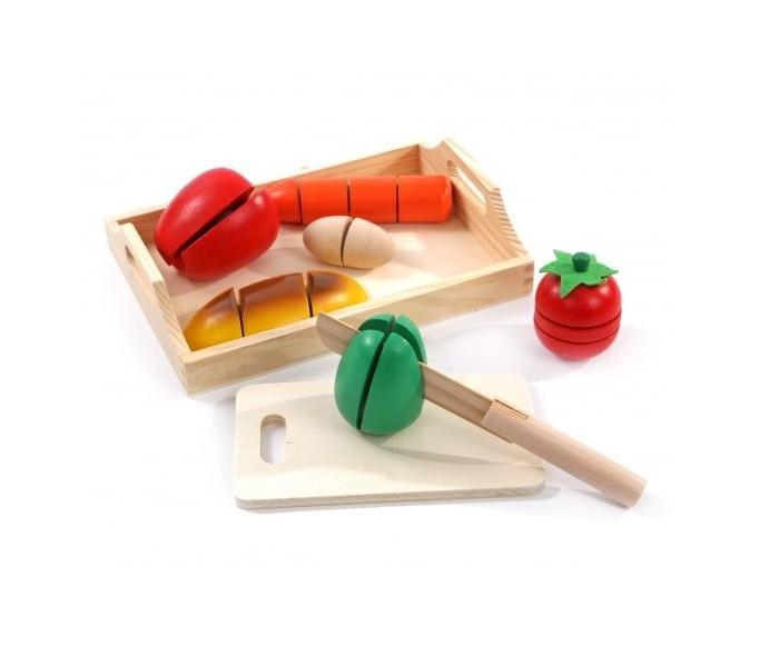 Деревянная игрушка МДИ Готовим завтрак среднийГотовим завтрак среднийМДИ Готовим завтрак средний Д168  Игровой набор Готовим завтрак прекрасно подойдет для знакомства ребенка с базовыми принципами приготовления различной пищи. В наборе есть несколько предметов, соединенных между собой липучками - это деревянные овощи, при нарезке которых раздается характерный хруст.  При желании их легко можно соединить обратно и начать нарезку заново. Изготовленные из дерева игрушки отлично отшлифованы и покрыты красками, безопасными для ребенка - на случай, если он решит попробовать эти овощи на вкус.  Длина моркови: 13 см. Длина батона: 13 см. Длина яйца: 6 см.<br>