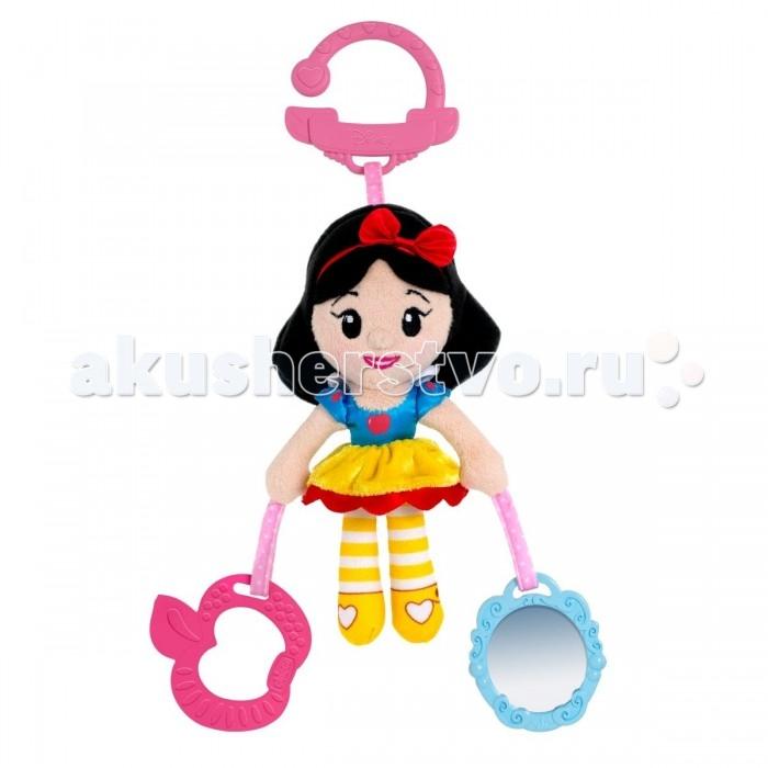 Подвесная игрушка Chicco БелоснежкаБелоснежкаПринцессы Disney сопровождают малышек во время прогулок и путешествий!  Теперь всеми любимые принцессы Disney могут отправиться на прогулку вместе с малышкой.  Сочетание мягкой ткани и пластиковых частей игрушки способствует развитию тактильных навыков.  Сказочные атрибуты напомнят вам сюжет волшебной истории.  Прикрепите игрушку к коляске — и вперед на прогулку!  Размер: 30 x 6 x 6 см<br>