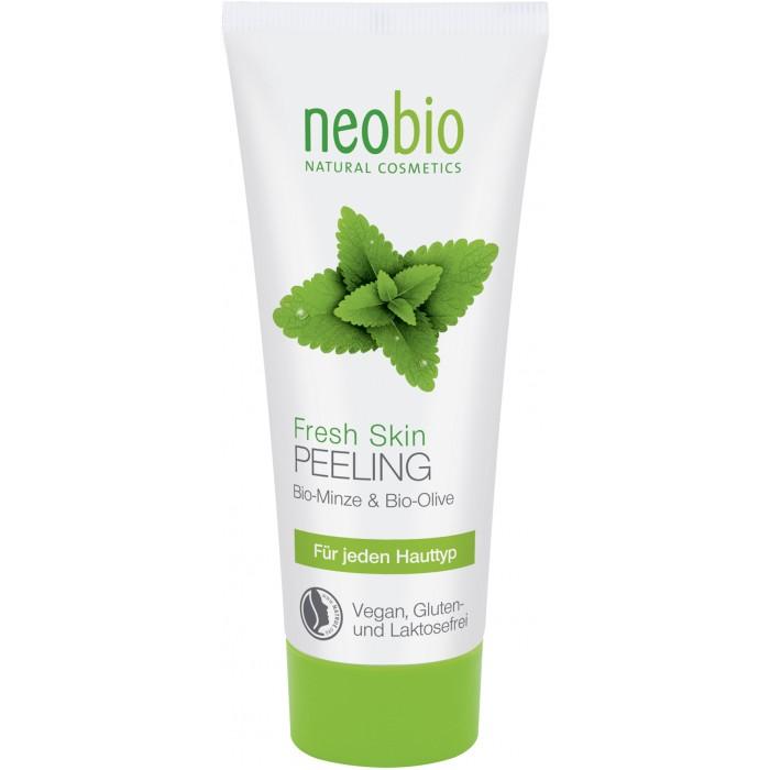 Neobio Средство для пилинга Fresh Skin 100 млСредство для пилинга Fresh Skin 100 млNeobio Средство для пилинга Fresh Skin 100 мл.  Средство для пилинга Fresh Skin с био-мятой и алоэ вера подходит для всех типов кожи, очищает мягко и особенно тщательно. Средство для пилинга Neobio прекрасно подготавливает кожу к последующему уходу. Cредство для пилинга лица – комплексный продукт, который работает как мягкий скраб для кожи лица с мелкими частичками пемзы, в качестве абразива. Состав этого продукта обогащен органическими маслами, такими как органическое соевое масло, масло дерева ши, оливковое масло поэтому после его применения кожа остается увлажненной.   Кроме того, в состав средства для пилинга от Neobio входят молочная и лимонная кислоты, которые используются для пилинга органическими кислотами. И именно эти компоненты способны творить настоящие чудеса с кожей - увлажнить, омолодить и освежить. Органический экстракт алоэ вера обеспечивает оптимальный баланс влаги в глубоких слоях кожи. Био-мята оживляет и успокаивает кожу, делая ее гладкой и свежей.    Применение: кончиками пальцев нанести небольшое количество геля на влажную кожу лица, шеи и зону декольте, аккуратно помассируйте по массажным линиям, смойте обильным количеством воды. Не наносить на кожу вокруг глаз.  Состав: Вода, Соевое масло*, Спирт денатурированный* , Глицерин, Оливковое масло*, Пемза, Масло плодов дерева ши*, Полиглицерил-3-дицитрат / стеарат, Цетеариловый спирт, Изоамиллаурат, Сок листьев алоэ вера*, Воск сумаха, Стеароилглютамат натрия, Экстракт листьев мяты перечной*, Лактат натрия, Молочная кислота, Витамин Е, Ксантановая смола, Масло семян подсолнечника*, Этил кокоил аргинат пирролидонкарбоновой кислоты, Лимонная кислота, Отдушка ароматизатор, эфирные масла**, Гераниол**, Линалоол** . *контролируемое биологическое выращивание **натуральные эфирные масла.<br>