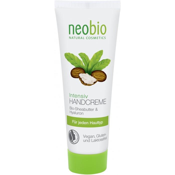 Neobio Интенсивный крем для рук 50 млИнтенсивный крем для рук 50 млNeobio Интенсивный крем для рук 50 мл.  Neobio интенсивный крем для рук с био -маслом плодов ши и гиалуроновой кислотой Успокаивает и интенсивно питает кожу. Богатая текстура с био-маслом плодов дерева ши и гиалуроновой кислотой особенно подходит для сухой и раздраженной кожи.   Благодаря сбалансированной рецептуре кожа рук постепенно восстанавливается. Регулярное применение крема Neobio делает кожу рук гладкой и нежной. Крем для рук Neobio идеально подходит для холодного время года.  Способ применения Тонким слоем масирующими движениями нанести на очищенную кожу рук  Состав вода, спирт денат., соевое масло*, кокосовое масло*, глицерин, масло плодов дерева ши*, полиглицерил-3-дицитрат/стеарат, тальк, цетеариловый спирт, дикрахмалфосфат, изоамиллаурат, гиалуронат натрия, натрия стеароилглютамат, ксантанова смола, витамин Е, масло семян подсолнечника*, молочная кислота, лактат натрия, эфирные масла**, линалоол**, лимонен**, кумарин**, бензилбензоат** * Контролируемое биологическое выращивание ** Натуральные эфирные масла.<br>