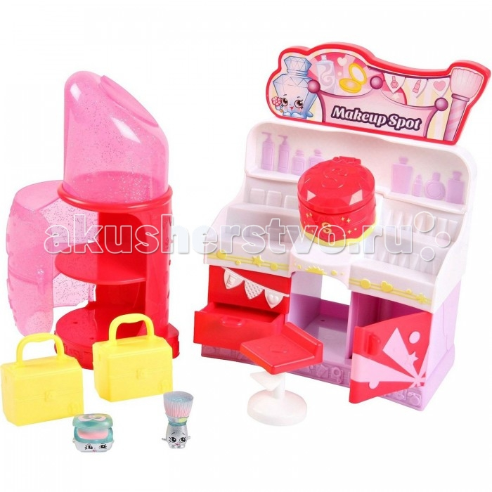 Shopkins Игровой набор Модная лихорадка Место для макияжаИгровой набор Модная лихорадка Место для макияжаMoose Игровой набор Модная лихорадка Место для макияжа - отличное приобретение для девочки! Яркая блистерная упаковка дает возможность увидеть все содержимое набора.   В комплект входит шкафчик для обуви, 2 эксклюзивные фигурки Shopkins, две сумочки и множество дополнительных аксессуаров. Шкафчик включает в себя множество полочек, куда можно положить розовые сумочки, салатовые ящики для обуви и многое другое. Фигурки Shopkins выглядят очень жизнерадостными. Их добродушные мордашки с маленькими глазками и носиками, обязательно привлекут внимание ребенка.  Рекомендуемый возраст: от 5 лет.<br>