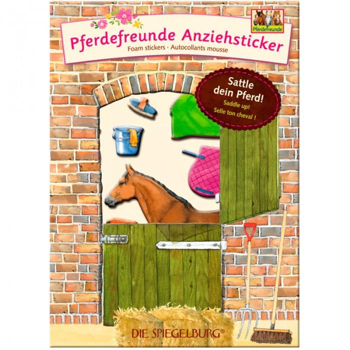 Spiegelburg Наклейки Pferdefreunde 11994Наклейки Pferdefreunde 11994Spiegelburg Наклейки Pferdefreunde 11994 Перед вами веселые наклейки специально для тех детишек, которые любят лошадей.  Набор содержит несколько наклеек, которые необходимо соединить вместе так, чтобы получилась полноценная картинка наездницы на лошадке. Так же есть наклейки корма, щетки, яблока и призовой медали.  Упаковка выглядит как стойло с открытой верхней дверью и стоящей за ней лошадкой. Наклейки сделаны из высококачественной бумаги, они прекрасно держатся на ровной поверхности. Ребенок может украсить наклейками свои тетрадки, игрушки и даже мебель.  Наклейки Pferdefreunde от немецкой компании Spiegelburg станут прекрасным подарком для вашего маленького любителя лошадей!<br>