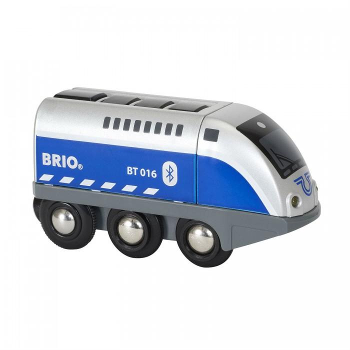 Brio Игрушечный паровозик на ИК-управлении Оскар (свет, звук)Игрушечный паровозик на ИК-управлении Оскар (свет, звук)Игрушечный паровозик Оскар от торговой марки Brio может сразу привлечь внимание юного любителя машинок. Внешний вид игрушки напоминает настоящий локомотив, выполненный в сочетании голубого и светло-серого цветов. Паровозик имеет большие колеса, которые обеспечивают хорошее сцепление с поверхностью пола и плавное бесшумное движение. Управлять паровозиком можно с помощью специального приложения, которое устанавливается на мобильный телефон. Игрушка изготовлена из пластика и оснащена аудио-визуальными эффектами.  Комплектация набора:  1 паровоз; Арр контроллер.  Основные характеристики:   Размеры: 29 х 9 х 15 см Длина игрушки: 10.4 см<br>