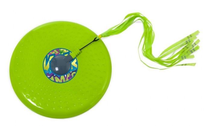 Mookie Летающая тарелка Tailball Flayer Зеленая 30 смЛетающая тарелка Tailball Flayer Зеленая 30 смЛетающая тарелка от бренда Mookie представляет собой диск ярко зеленого цвета. К нему прикреплен хвост из легкого материала, который не только позволяет легко отслеживать тарелку в полете, но и добавляет ей устойчивости и повышает ее аэродинамические параметры. Игра с диском происходит по принципу фрисби, т.е. минимум 2 человека перекидывают поочередно другу другу тарелку.  Основные характеристики:   Диаметр тарелки: 30 см<br>