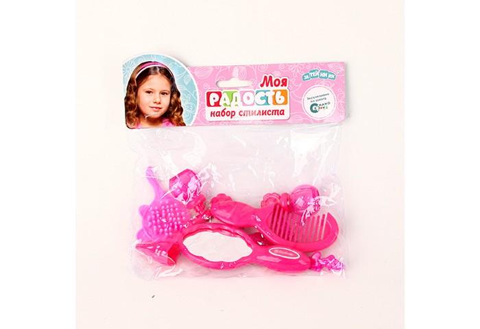 Затейники Набор для девочек Моя радостьНабор для девочек Моя радостьЗатейники Набор для девочек Моя радость позволит юному стилисту сделать прическу себе или своей кукле.   Особенности: Набор состоит из 8 предметов, среди которых: расческа для волос, расческа-гребешок, флакончик для духов, заколки для волос, зеркальце, пульверизатор и помада.  С помощью каждого из аксессуаров малышка сможет воплотить все придуманные ею образы на модели.  Все предметы набора покрашены в один из любимейших девчачьих цветов - розовый.<br>