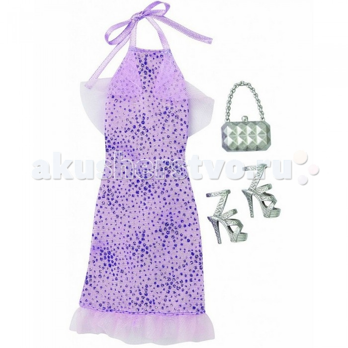 Barbie Комплект одежды Барби Лиловое платьеКомплект одежды Барби Лиловое платьеКомплект одежды Барби Лиловое платье обязательно пригодится вашей кукле для похода на вечеринку.   Невероятно красивое трикотажное платье прямого покроя, покрытое по всей длине блестками, сделает куклу самой красивой.  Сверху платье имеет атласные завязки, плечи открыты.  По нижнему краю проходит прозрачная кружевная оборка.  Также в комплект входят стильные серебристые босоножки на высоком каблуке и модная сумочка с оригинальной ручкой в виде цепочки.   Комплект одежды продается в прозрачном пакетике с картонной вставкой, на которой изображен шкаф для одежды.   Рекомендуется детям старше 3 лет.<br>