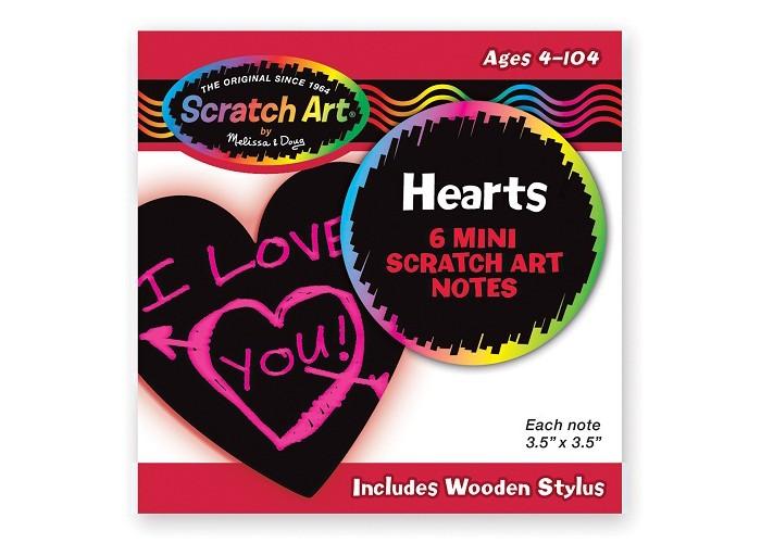 Melissa &amp; Doug Scrach Art Мини стикерыScrach Art Мини стикерыMelissa & Doug Scrach Art Мини стикеры  Мини-стикеры в форме сердца, укомплектованы деревянным стилусом.  Размер 9х9 см.<br>