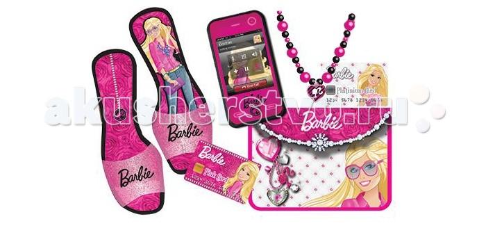 Barbie Набор аксессуаров для куклыНабор аксессуаров для куклыНабор аксессуаров для куклы Barbie   В наборе:    туфельки розового цвета с красивым фирменным логотипом Barbie, и с изображением самой куклы  мобильный телефон, который своим дизайном напоминает самый настоящий смартфон с кнопками, экраном и картинкой  ожерелье из бусин различного цвета и размера, украшенное небольшим сердечком  две банковские яркие карточки, созданные специально для Барби, помогут ей совершать любые покупки и приобретать наряды  красочная сумочка не только дополнит выбранное платье, но и поможет хранить все имеющиеся аксессуары у куклы.<br>
