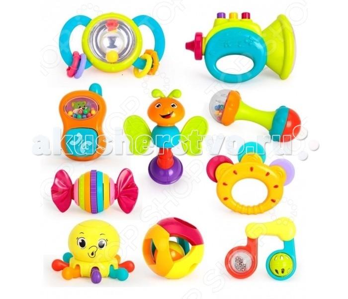 Погремушка Huile Toys Набор погремушекНабор погремушекHuile toys Набор погремушек Y61173  Набор из 10 игрушек-погремушек предоставит ребенку большое пространство для веселого времяпрепровождения. Здесь он найдет забавную пчелку, музыкальные инструменты и даже стилизованный мобильный телефон, с которыми можно придумать интересное выступление. Выполненные из пластмассы они окрашены в яркие цвета и не имеют острых краев, благодаря чему их приятно держать в руках.  В комплекте: шар, бубен, пчелка, крылья, труба, конфета, телефон, ноты, гантелька, осьминог.<br>