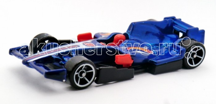Hot Wheels Машинка F1 RacerМашинка F1 RacerHot Wheels Машинка F1 Racer выполнена в ярких цветах и очень интересных вариантах. Каждая деталь машинки очень продумана и поэтому она выглядит очень реалистично.   Юные гонщики, с машинками этой серии смогут отлично провести свое время как одни, так и в компании своих друзей. Ну а если мальчик выйдет с этой машинкой на улицу, он сразу же будет окружен истинными ценителями автомобилей.   Каждая машинка достаточно компактна и сможет составить компанию ребенку не только дома, но и в любом путешествии, так как легко поместится в рюкзак.   Масштаб: 1:64 Длина машинки около 7.5 см<br>