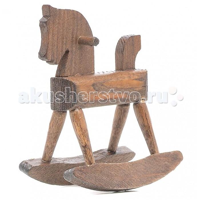 Pupsique Лошадка-качалка для кукол (коричневая)Лошадка-качалка для кукол (коричневая)Лошадка-качалка для кукол (коричневая) - это прекрасный аксессуар для игры с мини-куклами.   Ваш ребенок может придумать и разыграть различные ситуации с мини-куклами и качалкой.  Игрушка изготовлена из высококачественного материала, в производстве используется древесина бука и клена.   Игрушка обеспечивает развитие и обучение вашего ребенка в процессе игры.  Размер 7х4х6 см.<br>