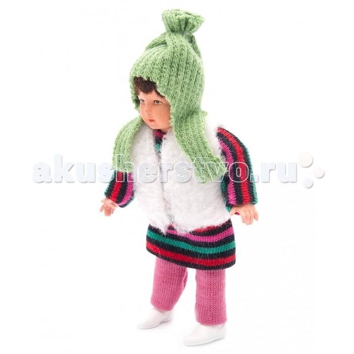 Pupsique Пупс Девочка в полосатом платье 135 ммПупс Девочка в полосатом платье 135 ммМиниатюрная кукла девочка 135 мм в полосатом платье.  Главное, что отличает пупсика Pupsique от подобных игрушек, - это идеальное сходство с человеком. Это авторское произведение, создатели которого сумели детально соблюсти пропорции и особенности человеческого тела.  Размер куколки Pupsique всего 135 мм, однако каждый пупсик раскрашен вручную (hand painted), и все его части подвижны: голова, ручки, ножки. В качестве дополнительных аксессуаров предлагается большой выбор оригинальной дизайнерской одежды, которая, безусловно, понравится детям и их родителям.  Игрушка выполнена из высококачественного винила, гарантированно гипоаллергенного материала. Все куколки и аксессуары к ним помещены в особую блистерную упаковку, при производстве которой используется только пищевой пластик.  Особенности пупсиков: Идеальное сходство с человеком Словно живой Подвижные части тела (5 точек артикуляции) Не имеет аналогов в мире Большой выбор аксессуаров Высококачественный винил Оригинальная дизайнерская одежда<br>