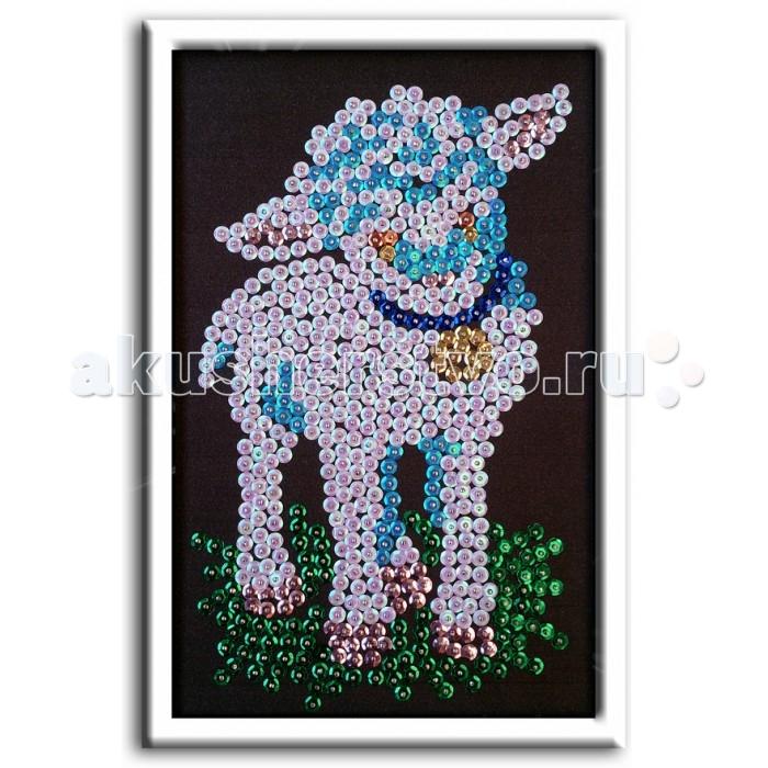 Волшебная мастерская Мозаика из пайеток ОвечкаМозаика из пайеток ОвечкаВолшебная мастерская Мозаика из пайеток Овечка М 018  При помощи этого набора для творчества ребенок может самостоятельно украсить пайетками изображение милой овечки. Основа картины создана из пенопласта. По размеченной схеме ребенку нужно будет присоединить блестки к основе. Получается блестящая картинка. Остается лишь установить рамку (присутствует в наборе), и можно украсить этой поделкой стену или полку. Создание мозаики из пайеток стимулирует творческое развитие ребенка, прививает ему аккуратность и усидчивость.  В комплекте: планшет из пенопласта, цветной фон с точечным рисунком, схема с номерами и указанием цветовой гаммы, пайетки разных цветов соответственно картине, гвоздики-булавки для накалывания пайеток, рамка из пенопласта для оформления картины, инструкция.  Размер мозаики: 18 x 26 см<br>