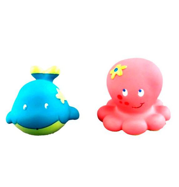 Жирафики Набор для купания Кит и осьминожкаНабор для купания Кит и осьминожкаЖирафики Набор Кит и осьминожка изготовлен из высококачественного пластизоля, который совершенно безвреден, не имеет запаха и искусственных красителей. Внутри игрушек встроена пищалка, которая активируется при нажатии на игрушку.<br>
