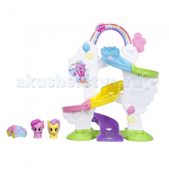 My Little Pony Пинки Пай (звук)Пинки Пай (звук)Игровой набор Пинки Пай из серии Мой маленький пони от компании Hasbro выглядит очень ярко и интересно. Он носит развлекательный характер.   В него входит замысловатая разноцветная горка, которая собирается по частям.  Все детали отлично стыкуются и крепятся друг с другом.  Также в комплекте идут две красочные фигурки очаровательных пони и автомобиль.  Все детали игрушки изготовлены из прочного и качественного пластика.  Несмотря на внушительный вид, в разобранном виде она не займет много места, поэтому ее будет удобно хранить в шкафу. А в собранном виде благодаря сочетанию теплых цветов, горка украсит интерьер детской комнаты.  Занятие развивает усидчивость, совершенствует моторику пальцев и творческое воображение.  Как за сборкой игрушки, так и во время игры ребенок получит море положительных эмоций.<br>