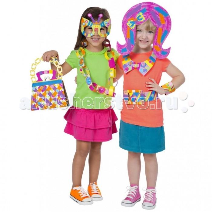 Alex Аппликации из цветной бумаги Маленькие модницыАппликации из цветной бумаги Маленькие модницыНабор детского творчества Маленькие модницы - это целый комплект форм из бумаги, 4 цветные ленты и сразу 200 красочных наклеек. С их помощью маленькие девочки смогут придать новый, свежий облик своему поясу, сумочке, рюкзаку и другим аксессуарам.<br>