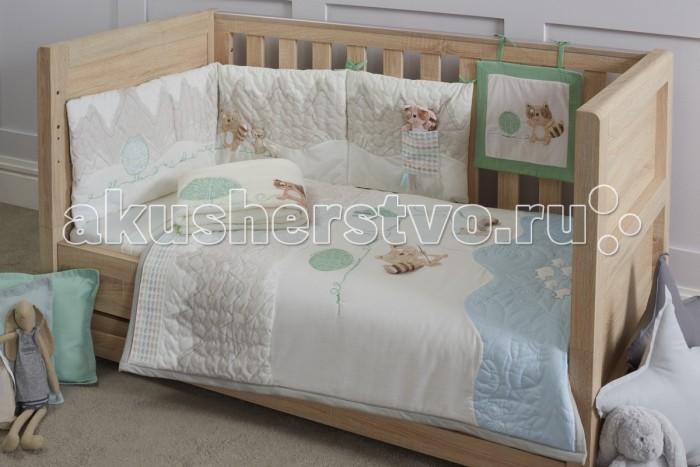 Комплект в кроватку Tutti Bambini Outdoor Adventures (7 предметов)Outdoor Adventures (7 предметов)Комплекты постельного белья Tutti Bambini – это красивое и уютное оформление детской кроватки. Оригинальный и стильный дизайн – тщательно подобранная цветовая гамма, элементы ручной отделки. Натуральные гипоаллергенные ткани обеспечат малышу комфортный и здоровый сон. Постельное бельё для кроватки дополнено мягкой плюшевой игрушкой и мягким нарядным панно на завязках, которое можно закрепить на бортике кровати.   Основные характеристики:  комплект постельного белья для детской кровати;  универсальный, подходит для кроваток 120х60, 125х65 и 140х70 см;  соответствует всем британским стандартам безопасности в производстве детских товаров;  материалы: ткань – 100% хлопок, наполнитель – 100% полиэстер, элементы отделки – 100% полиэстер;  оригинальный дизайн, отделка ручной работы.   В комплект входят:  покрывало 108х92 см;  мягкий бортик в изголовье 155х35 см;  простынь 118х150 см;  простынь на резинке;  флисовый плед 110х140 см;  декоративное панно 30х30 см;  плюшевая игрушка.<br>