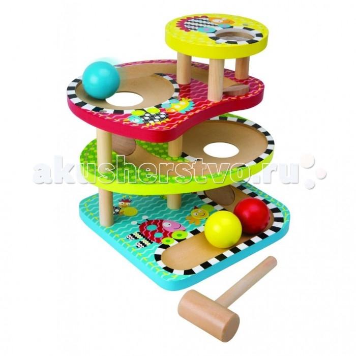 Развивающая игрушка Alex Развивающий деревянный центр Макс - Три шарикаРазвивающий деревянный центр Макс - Три шарикаРазвивающий 4-х уровневый деревянный центр с тремя разноцветными шариками и молоточком.   На каждом уровне проделаны отверстия для шариков. Чтобы поиграть в интересную игру, достаточно положить шарик на верхний уровень и ударить по нему, шарик перекатится на следующий уровень.<br>