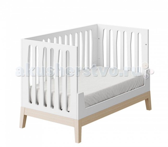 Детская кроватка Micuna Nubol Big 140х70Nubol Big 140х70Детская кроватка Micuna Nubol Big 140х70  Новая кровать Micuna Nubol – стильное решение для детской спальни. Строгие симметричные линии, сочетание классических цветов – белого и натурального с красиво очерченной фактурой дерева, крепкий каркас из натурального бука. Со временем кроватку можно трансформировать в более подходящее спальное место для подросшего ребёнка: если снять один бортик, кроватка превращается в уютный диванчик, при снятии обоих боковых бортиков – в кровать-кушетку. Micuna Nubol – современно и практично.   Основные характеристики:  современная и функциональная кровать-трансформер для новорождённых;  стильный лаконичный дизайн;  материалы: натуральный бук, МДФ лакированный;  уровень ложа регулируется по высоте в 3 положениях;  система Relax: угол наклона ложа регулируется;  боковые бортики неподвижные;  съёмные бортики: при снятии одного борта кроватка превращается в кровать-диванчик, при снятии двух боковых бортов – в кровать-кушетку;  ящик для белья не предусмотрен.   Размеры:  спальное место: 140х70 см;  внешние размеры (ДхШхВ): 146х74х93 см;  матрас: 140х70 см (в комплект не входит, можно приобрести дополнительно);  постельное бельё: 140х70 см (в комплект не входит, можно приобрести дополнительно).   Relax: ещё больше безопасности для Вашего малыша   Micuna, стремясь к постоянному развитию, всегда идёт в ногу со временем. Удачное сочетание многолетнего опыта и самых современных разработок позволяет компании Micuna находить новые решения для обеспечения максимальной безопасности и комфорта своих маленьких клиентов.   Не секрет, что в первые месяцы серьёзный дискомфорт малышам доставляет срыгивание после грудного кормления, особенно в период болезни или простуженного состояния. В этих случаях педиатры советуют немного приподнимать матрас – это поможет предотвратить спазмы и улучшит дыхание ребёнка. Специально для этого компания Micuna разработала систему Relax, которая характеризуется своей уд