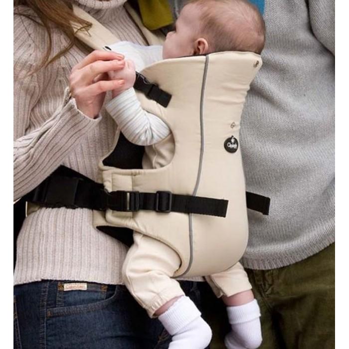 Рюкзак-кенгуру Clippasafe Переноска для детей CarramioПереноска для детей CarramioПрактичный и эргономичный рюкзак-переноска-кенгуру Carramio для малышей от 3,5 до 9 кг. С ним Ваша спина не устанет при длительных прогулках.  Стильный и практичный рюкзак-переноска от Clippasafe для удобства родителей и малыша!  Усиленные амортизирующие подкладки под ремни. Уникальная система поддержки головы ребенка. Эргономическая чаша сидения. Простые в использовании замки для быстрой фиксации. 2 позиции для переноски ребенка: лицом внутрь и наружу.  Рекомендовано для детей от 3,5 до 9 кг (от 0 до 12 месяцев) Можно стирать в стиральной машине. Благодаря практичному черному цвету не требует частой стирки. Состав: ткань - 100% хлопок, наполнитель - полиэстер.<br>