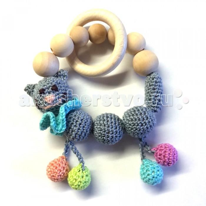 Прорезыватель Farla Кис-КисКис-КисFarla Кис-Кис станет отличными пособием для изучения цветов радуги.   Особенности: Это не только полезная и оригинальная вещь, которая может служить украшением, но и развивающая игрушка для малыша. Прорезыватель похож на обыкновенный браслет, он также надеваются на руку, только отличаются своими практическими характеристиками. Маленькие детки очень быстро вырастают из грудничкового возраста, начинают развиваться, им становиться интересен окружающий мир, поэтому процедура кормления не всегда проходит спокойно. Кажется, что ребенок увлечен кормлением, но как только где-то раздается какой-нибудь шорох или звук, малыш мгновенно начинает вертеться по сторонам и искать то, что послужило этому шуму. Прорезыватель способствуют тому, что ребенок в процессе кормления грудью полностью на этом сконцентрирован.  Прорезыватель может также служить и игрушкой для малыша. Во-первых, это развивает хватательные рефлексы. Во-вторых, осваивается детская мелкая моторика. В-третьих, происходит развитие таких психических видов деятельности, как внимание, мышление, координация в пространстве, наблюдательность, память, движение. В-четвертых, мелкая моторика в дальнейшем отразиться на развитии кистей и пальцев. Все это будет необходимо для того, чтобы ребенок, будучи самостоятельным, мог одеваться, застегивать пуговицы и завязывать шнурки, рисовать, писать.<br>