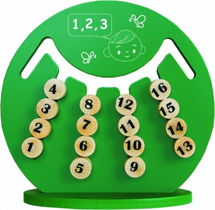 Деревянная игрушка Краснокамская игрушка Логическая игра ИнтеллектЛогическая игра ИнтеллектУже само название этой игры говорит о том, что это не просто игрушка, а полноценный тренажер для детей, который способен развить их интеллект, научить думать и самостоятельно принимать решения.  В комплект входит: деревянный диск «Интеллект» подставка инструкция с перечнем заданий  Основной элемент игрушки - деревянный диск с прорезями внутри него и фишками. Задача ребенка - определенным образом передвигать эти фишки, выставляя их определенным образом и составляя логические ряды. Задания для игры приведены в инструкции - там есть как варианты для маленьких детей (младше пяти лет), так и для более старших. Интересно и то, что производители позаботились и о вариантах игры с друзьями - и придумали задания для коллективных игр, в которых смогут участвовать до пяти игроков.  Кроме того, «Интеллект» можно использовать и для изучения основ арифметики в начальной школе - на одной из сторон фишек нанесены не изображения, а цифры - от 1 до 16.  Игра готова научить детей выстраивать логические цепочки, вычленяя главное и убирая лишнее, повысит их усидчивость и терпение, улучшит умение сравнивать и анализировать. Важно и то, что игра развивает мелкую моторику рук и ловкость.  Сделана игрушка из дерева - экологически чистого материала и покрыта безопасной для здоровья акриловой краской.<br>