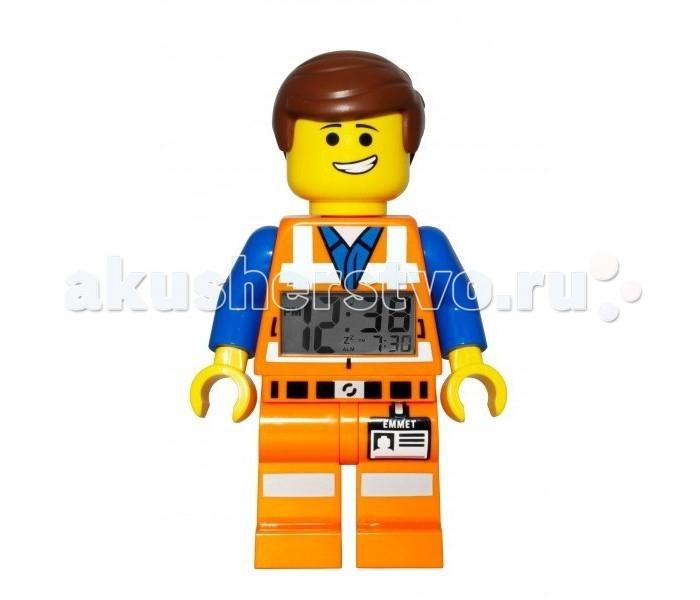 Часы Clic Time Будильник Lego Movie минифигура EmmetБудильник Lego Movie минифигура Emmet«Лего. Фильм» (англ. The Lego Movie) —американский мультфильм Фила Лорда и Криса Миллера. Главные персонажи фильма представлены  в нашей коллекции!   Будильник Lego Movie минифигура Emmet  Если Ваш ребенок не любит вставать по утрам, а монотонные звуки будильника вызывают у него слезы или апатию, то утреннее пробуждение необходимо сделать игрой. Для этого отлично подойдет красивый будильник от Лего.   Новая яркая игрушка вызовет у вашего ребенка восторг и интерес, а изображение любимого героя вдохновит на подвиги. Применив немного фантазии, отход ко сну и утреннее пробуждение станут веселой игрой, к которой с удовольствием подключится Ваш ребенок.   Игрушка сделана в виде минифигурки, оснащена удобным цифровым дисплеем с подсветкой и функцией отсрочки звукового сигнала.<br>