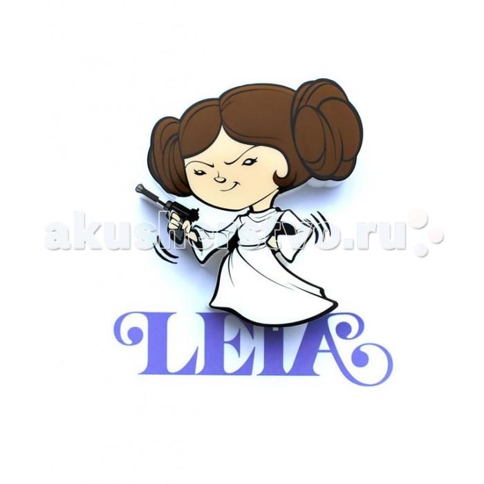 Светильник 3DlightFX Пробивной мини 3D светильник StarWars (Звёздные Войны) Leia Organa (Лея Органа-Соло)Пробивной мини 3D светильник StarWars (Звёздные Войны) Leia Organa (Лея Органа-Соло)Пробивной мини 3D светильник StarWars (Звёздные Войны) Leia Organa (Лея Органа-Соло). Безопасный: без проводов, работает от батареек (2хААА, не входят в комплект); Не нагревается: всегда можно дотронуться до изделия; Реалистичный:3D наклейка в комплекте; Фантастический: выглядит превосходно в любое время суток; Удобный: простая установка (автоматическое выключение через полчаса непрерывной работы). Товар предназначен для детей старше 3 лет. ВНИМАНИЕ! Содержит мелкие детали, использовать под непосредственным наблюдением взрослых.   Основные характеристики:   Размеры: 16.9 х 16 х 4.1 см Вес: 0,17 кг<br>