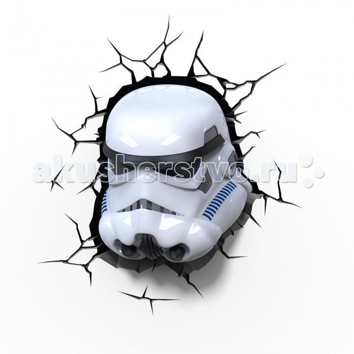 Светильник 3DlightFX Пробивной 3D StarWars (Звёздные Войны) Stormtrooper (Штормтрупер)Пробивной 3D StarWars (Звёздные Войны) Stormtrooper (Штормтрупер)Пробивной 3D светильник StarWars (Звёздные Войны) Stormtrooper (Штормтрупер). Безопасный: без проводов, работает от батареек (3хАА, не входят в комплект); Не нагревается: всегда можно дотронуться до изделия; Реалистичный:3D наклейка-имитация трещины в комплекте; Фантастический: выглядит превосходно в любое время суток; Удобный: простая установка (автоматическое выключение через полчаса непрерывной работы). Товар предназначен для детей старше 3 лет. ВНИМАНИЕ! Содержит мелкие детали, использовать под непосредственным наблюдением взрослых.  Основные характеристики:   Размеры: 26.7 х 29.7 х 14.3 см Вес: 0,85 кг<br>