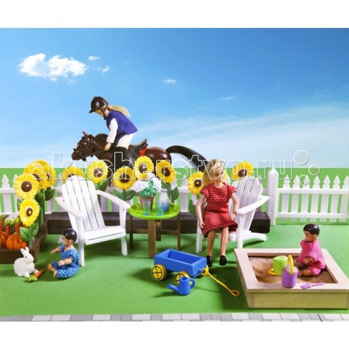 Lundby Комплект мебели для кукольного домика Уютный садКомплект мебели для кукольного домика Уютный садКомплект мебели для кукольного домика Уютный сад включает в себя 3 отдельных набора в индивидуальной упаковке: садовая мебель с аксессуарами подсолнухи огород с овощами и почтовый ящик детская песочница с игрушками Комплект мебели для кукольного домика Уютный сад позволит создать необыкновенно уютный сад для кукольной семьи.<br>