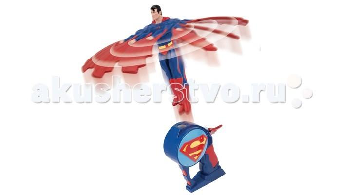 I-Star Superman Летающий геройSuperman Летающий геройI-Star Superman Летающий герой. Superman Летающий герой 16 см - это игровой набор, который включает в себя фигурку любимого героя и запускающее устройство, при помощи которого его можно запустить в воздух.    Для того, чтобы отправить супергероя в полет, нужно установить фигурку в совместимый разъем на рукоятке и резко потянуть за специальный шнурок, что приводит движение человека-паука, выталкивая его вверх. При этом игрушка раскручивается и в полете эффектно вращает лопастями-руками.  Размер игрушки: 0,7 х 0,18 х 0,31 см<br>