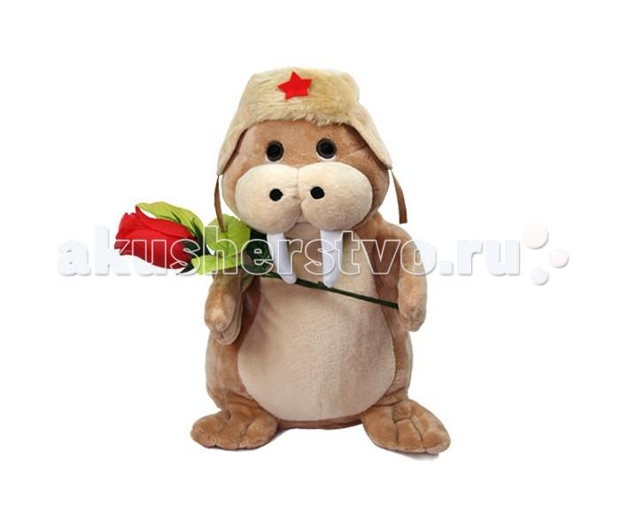 Интерактивная игрушка Ваш подарок Поющий Нежный МоржикПоющий Нежный МоржикВаш подарок Интерактивная игрушка Поющий Нежный Моржик   Дети просто обожают игрушки, особенно необычные! Если новая игрушка станет не только надежным партнером для веселых игр, но еще и сможет спеть песенку или станцевать, восторгу ребенка не будет предела! А некоторые игрушки смогут порадовать даже взрослых людей. Поющая игрушка Нежный Моржик станет отличным подарком как ребенку, так и взрослому человеку на любой праздник, например, на 8 марта. Этот милый моржик пришел в гости не с пустыми руками – в лапах у него роскошная красная роза. А петь он будет знаменитую песню Сиреневый туман. Моржик не только поет, но еще и открывает рот и покачивается из стороны в сторону в такт музыке. Игрушка сделана из полиэстера, искусственного меха и пластика.  Питанием служат 3 пальчиковые батарейки.  Высота игрушки: 16 см<br>