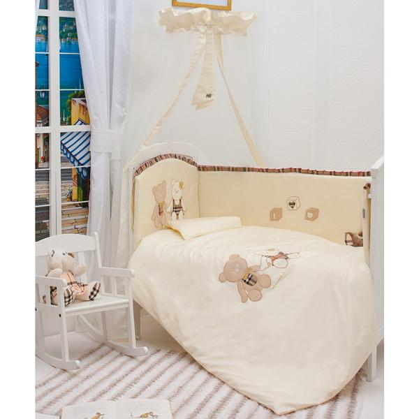 Комплект для кроватки Makkaroni Kids Trendy 125х65 (6 предметов)Trendy 125х65 (6 предметов)Комплект постельного белья Trendy Makkaroni Kids.  Материалы:  Ткань: САТИН (100% хлопок)  Наполнитель: Одеяло, подушка – бамбуковое волокно. Борт – холлофайбер. Декор: дизайнерская вышивка и аппликация.  Особенности:  Борт по всему периметру кроватки, со съемными чехлами, состоит из четырех частей, высота по периметру - 40 см, изголовье – 45 см. Наполнитель борта – холлофайбер, он совершенно не боится влаги, что говорит о его лучших гигиенических качествах. И - самое главное – в постельных принадлежностях из холлофайбера не заводятся клещи и прочая нежелательная живность.  Бортик от Makkaroni Kids прекрасно защитит вашего малыша от сквозняков пока он маленький, а когда ребенок подрастет и начнет самостоятельно вставать, предотвратит от возможных ушибов.  Большим преимуществом борта является съемные чехлы. Вы сможете его постирать и при этом не деформировать.  Верхняя ткань одеяла и подушки – 100% хлопок, наполнитель – бамбуковое волокно - обладает натуральными антимикробными свойствами, не вызывает никаких раздражений на коже человека, идеально подходит детям. Волокно из бамбука создаёт комфорт и обеспечивает здоровым и спокойным сном, регулирует температуру тела, обладает влагопоглощением, замечательной вентилирующей способностью. Размер одеяла позволяет продлить его использование до 5 лет.  Высота подушки, входящей в комплект - 2 см – оптимальная для головы новорожденного согласно современным исследованиям. Все постельные принадлежности в комплекте изготовлены из натурального САТИНА. Вы по достоинству оцените высокую износостойкость, надежность и долговечность этого текстильного материала. САТИН – полностью натуральный и экологически безопасный материал, прекрасно подходящий для комплектов постельного белья новорождённым детям. Простыню на резинке легко одеть на матрас без лишних складок.  Комплект из 6 предметов: Борт по всему периметру кроватки (съемные чехлы) 125х65  Под