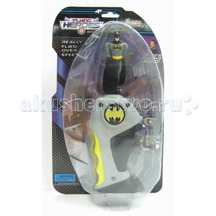 I-Star Batman Летающий герой мини в наборе с запускающим устройствомBatman Летающий герой мини в наборе с запускающим устройствомI-Star Batman Летающий герой мини в наборе с запускающим устройством игровой набор для мальчика. Игрушка, повторяющая образ Бэтмена из одноименных комиксов и фильмов, выполнена в характерных цветах и обладает всеми атрибутами, которые присущи герою.   Для того,чтобы отправить супергероя в полет, нужно установить фигурку в совместимый разъем на рукоятке и резко потянуть за специальный шнурок, после чего она начинает раскручиваться и эффектно вращать лопастями-руками, укрытыми плащом.    Размер игрушки: 0,16 х 0,6 х 0,27 см  Фигурка защитника Готема выполнена из высококачественного пластика и оборудована специальным устройством с механизмом для запуска.<br>