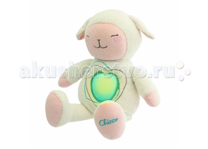 Мягкая игрушка Chicco Овечка SweetheartОвечка SweetheartМягкая игрушка Chicco Овечка Sweetheart станет лучшим другом вашего малыша.   В овечку встроена колыбельная. Для того чтобы её услышать, достаточно нажать на сердечко, музыка сопровождается эффектом сияния. Всё это помогает малышу расслабиться перед сном.   Электронный отсек отсоединяется, позволяя стирать игрушку в машине.  Нежная игрушка, которую так и хочется обнять: нужно просто нежно прижать её к себе. Слегка надавив на животик, сердечко игрушки загорается, и включается нежная мелодия.  Питание: 2 х АА 1,5V (в комплекте) Размер в упаковке: 30,5х13,8 х24,5 см<br>