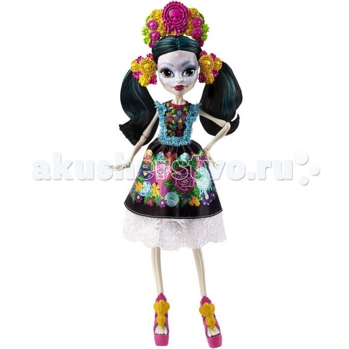 Monster High Кукла Скелита КалаверасКукла Скелита КалаверасИнтересная кукла Скелита Калаверас из серии Монстр Хай  от известного бренда Mattel станет для девочки отличным способом развлечься, а также хорошей верной подружкой, с которой она никогда не расстанется.  На лице известной героине имеются интересные узоры. Как сама утверждает Скелита, она сама создает их на своем лице. Особое внимание она уделят своим губам и глазам. Также она имеет длинные черные волосы. Сделана она из качественного пластика, поэтому сможет прослужить своей владелице достаточно долгий срок. Имеет приятную расцветку, а также весьма интересный и необычный дизайн.  Сама героиня родилась в семье скелетов в далекой Мексике. Она всегда старается поддерживать связь с ними, так как очень гордится ими. В своих нарядах она старается сочетать черты современности и ее мексиканского прошлого. Все знают, да и сама Скелита не отрицает, что она помешана на вечеринках и любит шумные и веселые тусовки. Она довольно часто чувствует, что скоро произойдет нечто грандиозное, но не может точно сказать когда.<br>
