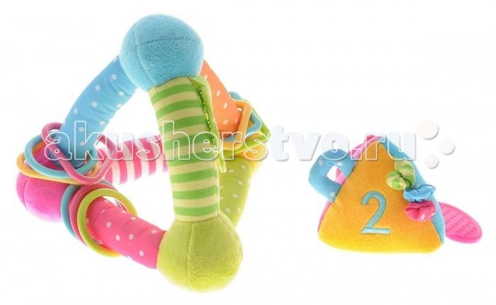 Развивающая игрушка Жирафики Треугольник с игрушкойТреугольник с игрушкойРазвивающая игрушка Треугольник с игрушкой внутри Жирафики   Развивающие игрушки «Жирафики» сочетают в себе множество функций. Все они сшиты из кусочков тканей разных цветов, причем цвета эти очень яркие и насыщенные.  Внутри самих игрушек или их отдельных деталей – маленькие сюрпризы: погремушки, пищалки, «шуршалки». Подобные игрушки просто необходимы малышам первого года жизни для развития моторики пальчиков, тактильных ощущений, слуха, зрительного восприятия. Развивающие игрушки «Жирафики» помогут малышам совершить много интересных удивительных открытий!<br>