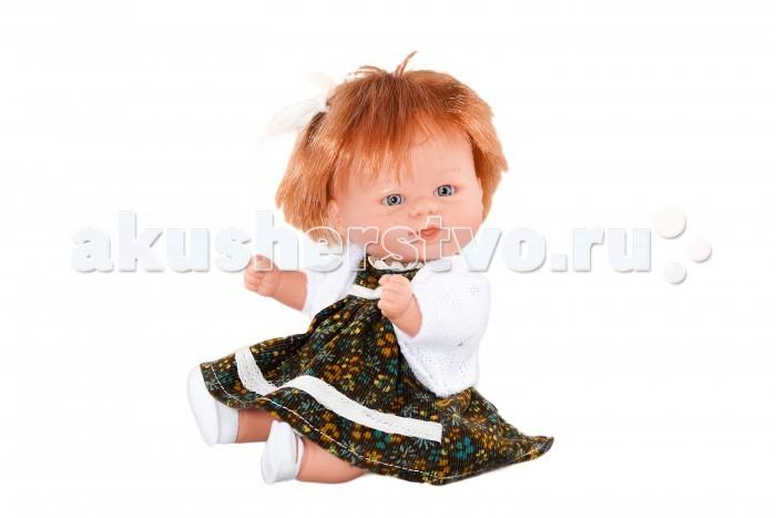 Dnenes/Carmen Gonzalez Кукла-пупс Бебетин в вельветовом платье с кофтой 21 смКукла-пупс Бебетин в вельветовом платье с кофтой 21 смКукла-пупс Бебетин в вельветовом платье с кофтой - очаровательная рыжая кукла-пупс в веснушках.  Яркое платье с золотыми цветами на черном фоне выглядит роскошно, теплый светлый жакет завершает образ. Платье имеет короткие рукава, декоративный воротничок-стоечку и застегивается сзади на липучку. Классический фасон платья на кокетке делает юбку длинной и пышной. Воротник и подол декорированы белым кантом. Теплый жакет с длинными выполнен из мягкой белоснежной ткани. Прическу украшают два бантика. В комплект входят белые трикотажные трусики. Кукла обута в белые пластиковые туфельки. Ножки имеют форму близкую к анатомической. Волосы рыжие, хорошо прошитые. Глаза серо-голубые, стеклянные, без ресничек, не закрываются.  Кукла не имеет запаха и обладает приятным тактильным эффектом.  Кукла Carmen Gonzalez продается в красивой подарочной коробке с прозрачным окошком.<br>