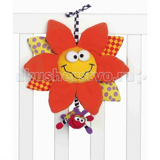 Подвесная игрушка Playgro Noahs ark 0111899Noahs ark 0111899Мягкая игрушка-подвеска Noahs Ark Playgro, выполненная в виде яркого улыбающегося цветочка, который сразу привлечет внимание малыша. Игрушка развивает тактильное, звуковое и цветовое восприятие, мелкую моторику, умение хватать и удерживать, зрительную координацию.  Эту большую подвеску можно легко прикрепить к кроватке или манежу, а также брать с собой на прогулки, например, присоединив к ручке коляски. Верхние лепестки оранжевого цвета изготовлены из приятной на ощупь плюшевой ткани, остальные – из гладкого текстиля. Если потянуть за жучка, который прикреплен к игрушке посредством тесемки, раздастся нежная колыбельная мелодия и замигают яркие огоньки.   Особенности:   • гипоаллергенные материалы;  • высокое качество исполнения;  • удобные тесемки-завязочки;  • звуковые и световые эффекты;  • разнофактурные материалы.<br>