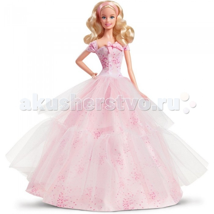 Barbie Коллекционная кукла Барби Пожелания ко Дню рожденияКоллекционная кукла Барби Пожелания ко Дню рожденияКоллекционная кукла Барби Пожелания ко Дню рождения – невероятный подарок для маленьких принцесс, а особенно для поклонниц Барби.   Эта восхитительная кукла одета в шикарное нежно-розовое платье в мелкий горошек. Топ платья с косым вырезом, который украшен красивым бантом. Пышная юбка сверху обшита прозрачной тканью.   У куклы очень выразительный взгляд и милая улыбка на лице.   Длинные светлые волосы, которые можно расчесывать, аккуратно убраны под розовый атласный ободок.   Голову Барби можно поворачивать, а руки и ноги понимать вверх.   Кукла не может стоять самостоятельно. Для ее установки в комплекте есть подставка.   Игрушка продается в красочной блистерной упаковке, которая украшена изображением тортов и воздушных шариков.   Высота куклы 30 сантиметров.<br>