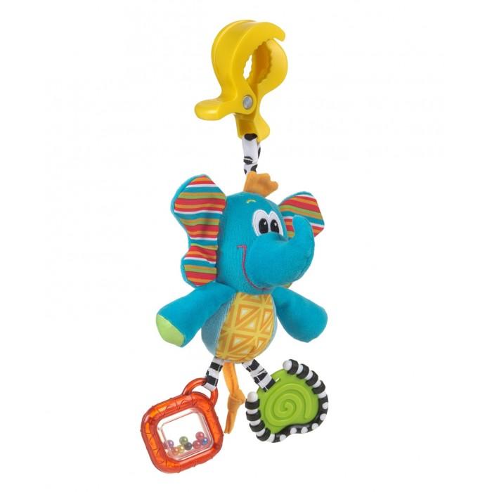 Подвесная игрушка Playgro Слоник 0182852Слоник 0182852Мягкая игрушка Слоник от фирмы Playgro, обязательно понравится вашему малышу.  Игрушка имеет удобное крепление, которое можно прикрепить к сидению, коляске или кроватке. Прорезыватели на игрушке снимут зуд с десен. Шуршалки стимулируют развитие нервных центров. Погремушка развивает слух и поисковый рефлекс, а бусинки в ножках развивают координацию глаз.<br>