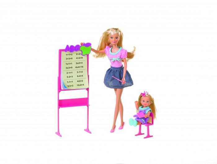Simba Игровой набор Штеффи и Еви ШколаИгровой набор Штеффи и Еви ШколаSimba Игровой набор Штеффи и Еви Школа 5730472  Еви пришла пора идти в школу. Она одела красивое сиреневое платье с цветочным принтом и аккуратно причесала волосы. В школе ее уже ждет Штеффи, которая на этот раз выступает в роли учительницы. Длинноногая блондинка одета в синюю юбку и розовую блузку, а в руке она держит указку. Комплект дополнен такими аксессуарами, как удобная парта со стулом и выдвижной столешницей, школьная доска с учебными плакатами, а также книга-учебник.  С игровым набором Школа из серии Штеффи и Еви порадует девочку и сможет вовлечь ее в захватывающую сюжетную игру.  Комплект: 2 куклы, школьная доска, парта, указка, учебник. Высота большой куклы: 29 см. Высота маленькой куклы: 12 см.<br>