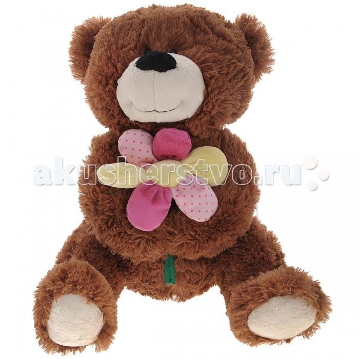 Мягкая игрушка Plush Apple Медведь с Цветком 52 смМедведь с Цветком 52 смМягкая игрушка торговой марки Plush Applе отличный подарок ребенку и даже взрослому.  Плюшевый друг Медведь с Цветком согреет холодными вечерами, выслушает, разделит с вами минуты радости.  При изготовлении игрушек используется уникальная технология, новейшие материалы, авторский дизайн и ручная проработка деталей, что позволяет производителю добиваться удивительного качества мягкой игрушки.  Размер игрушки 52 см<br>