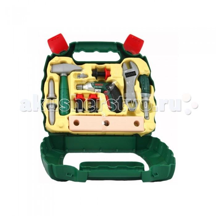 Klein Набор игрушечных инструментов в чемодане BoschНабор игрушечных инструментов в чемодане BoschKlein Набор игрушечных инструментов в чемодане Bosch   Набор игрушечных инструментов в чемодане Bosch – комплект реалистичных игрушек, аккуратно уложенных в фирменный кейс известного немецкого производителя.   В комплект входят: шуруповерт со сменной насадкой, 2 планки с отверстиями, 3 болта с шайбами и 2 дюбеля, отвертка, молоток, гаечный ключ.   Шуруповерт имеет несколько скоростей работы, режимы раскручивания и закручивания, мигает красными огнями и жужжит. Он работает от 2 батареек ААА, которые следует приобретать отдельно. Отвертка щелкает, если ее покрутить. У молотка два разных конца: для забивания гвоздей и для вытаскивания их. Кейс снабжен двумя защелками для удобной транспортировки.  Размеры упаковки: 33х27х9 см.  Игрушка предназначена для мальчиков старше 3 лет.<br>