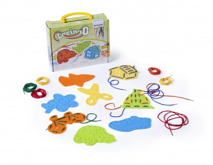 Развивающая игрушка Miniland Набор для шнуровкиНабор для шнуровкиРазвивающая игрушка Miniland Набор для шнуровки. Развивающий набор для шнурования. Набор для шнуровки состоит из силуэтов различных предметов. Игра разовьет моторику рук, позволит ребенку выучить цвета, названия предметов, а также развить фантазию.   Фигурки универсальны — их можно использовать также в качестве трафарета для рисунков.   В комплекте: 8 фигурок, 10 шнуров разных цветов.<br>