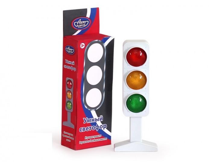 Авто по-русски Умный светофорУмный светофорАвто по-русски Умный светофор поможет ребенку выучить цвета и освоить правила дорожного движения как для пешеходов, так и для водителей. В игровой форме ребенок быстро научится когда и как правильно переходить дорогу. Также, светофор может послужить аксессуаром в играх, связанных с транспортом и дорогами. Звуковые эффекты сделают игровой процесс еще интереснее.  Возраст: от 3 лет на батарейках. Размер игрушки: 25 х 4 х 6 см<br>